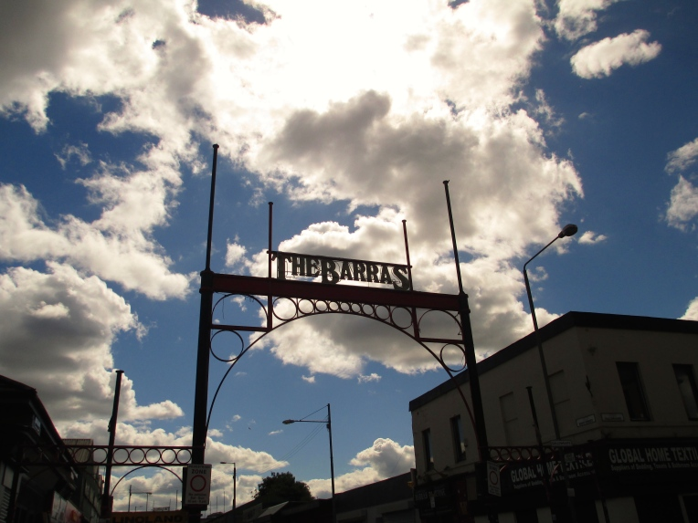 The Barras sign at the entrance to the market.
